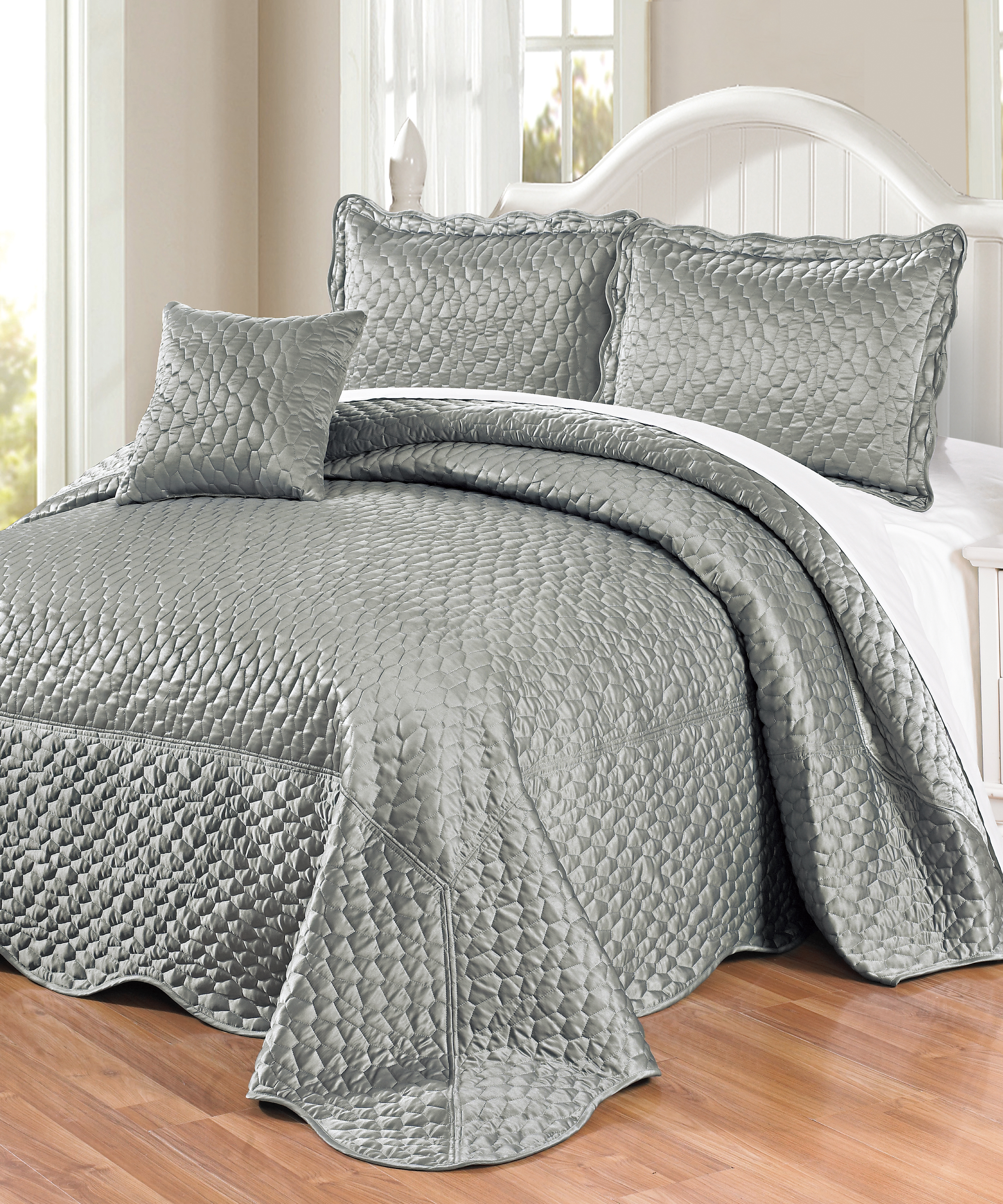 Matte Satin Quilted 4 Piece Bedspread Set